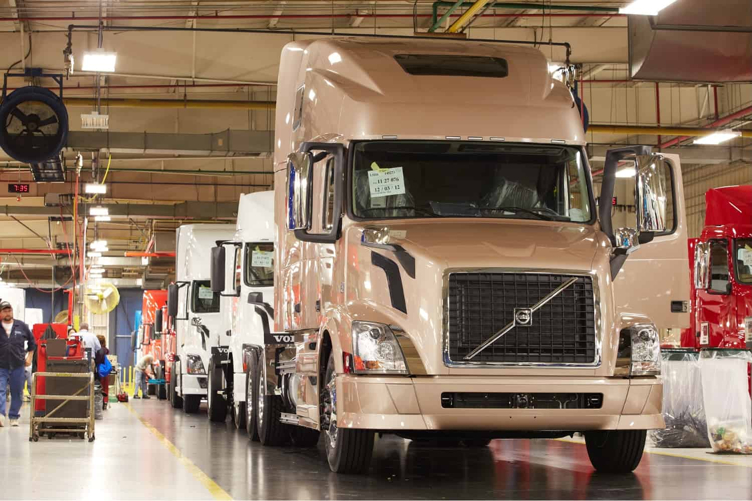 Photo of Week in Trucking: Orders improving, using GPS in a time of need, and training new workers