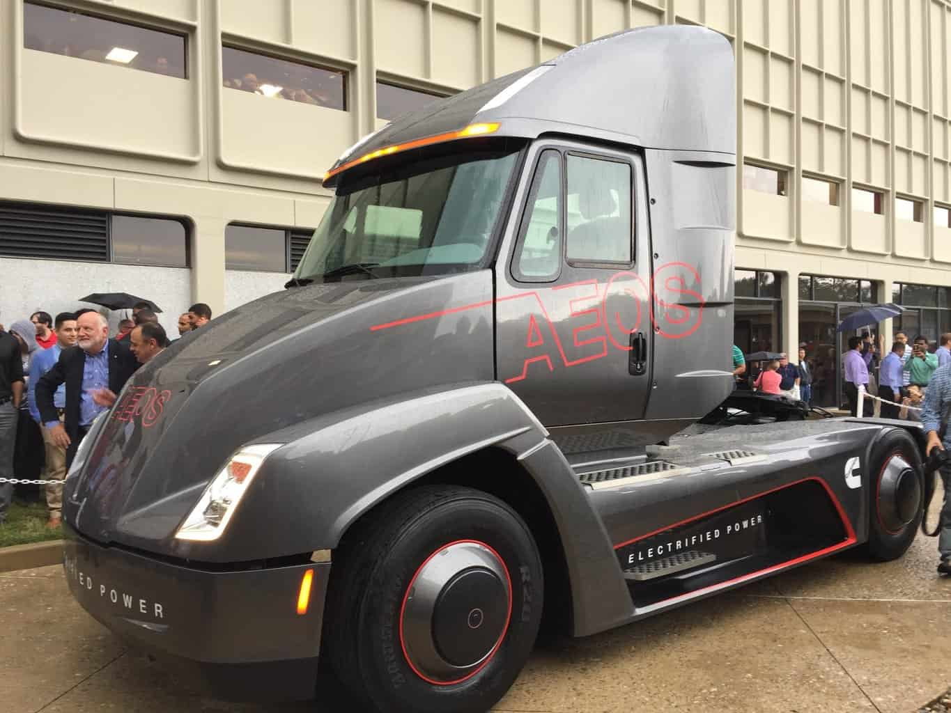 Photo of Cummins upstages Tesla with electric truck unveiling