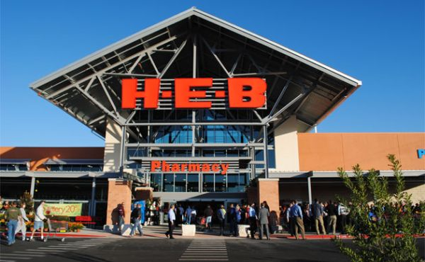Photo of H-E-B rolls out disaster relief convoy