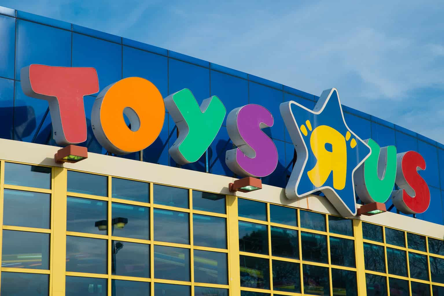"""Photo of Toys """"R"""" Us bankruptcy will hurt carriers and brokers if they don't take correct steps now"""