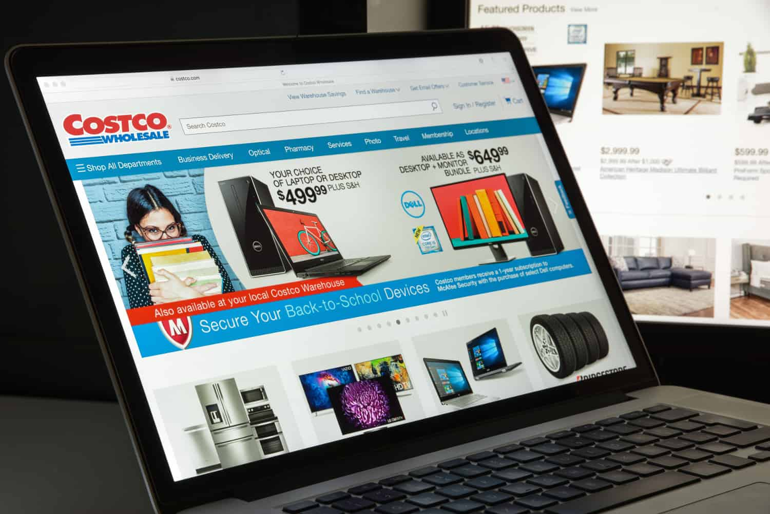 Photo of Instacart powers Costco same-day delivery