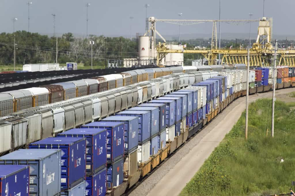 Trains also leave a carbon footprint. (Photo: Shutterstock)