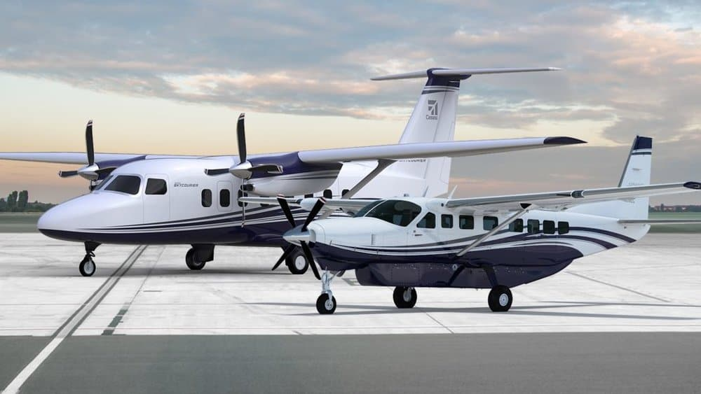 The new Cessna SkyCourier 408 (left) seen next to the Cessna Caravan 208 (right).