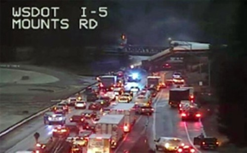 Photo of Today's Pickup: I-5 closure could last days due to Amtrak derailment