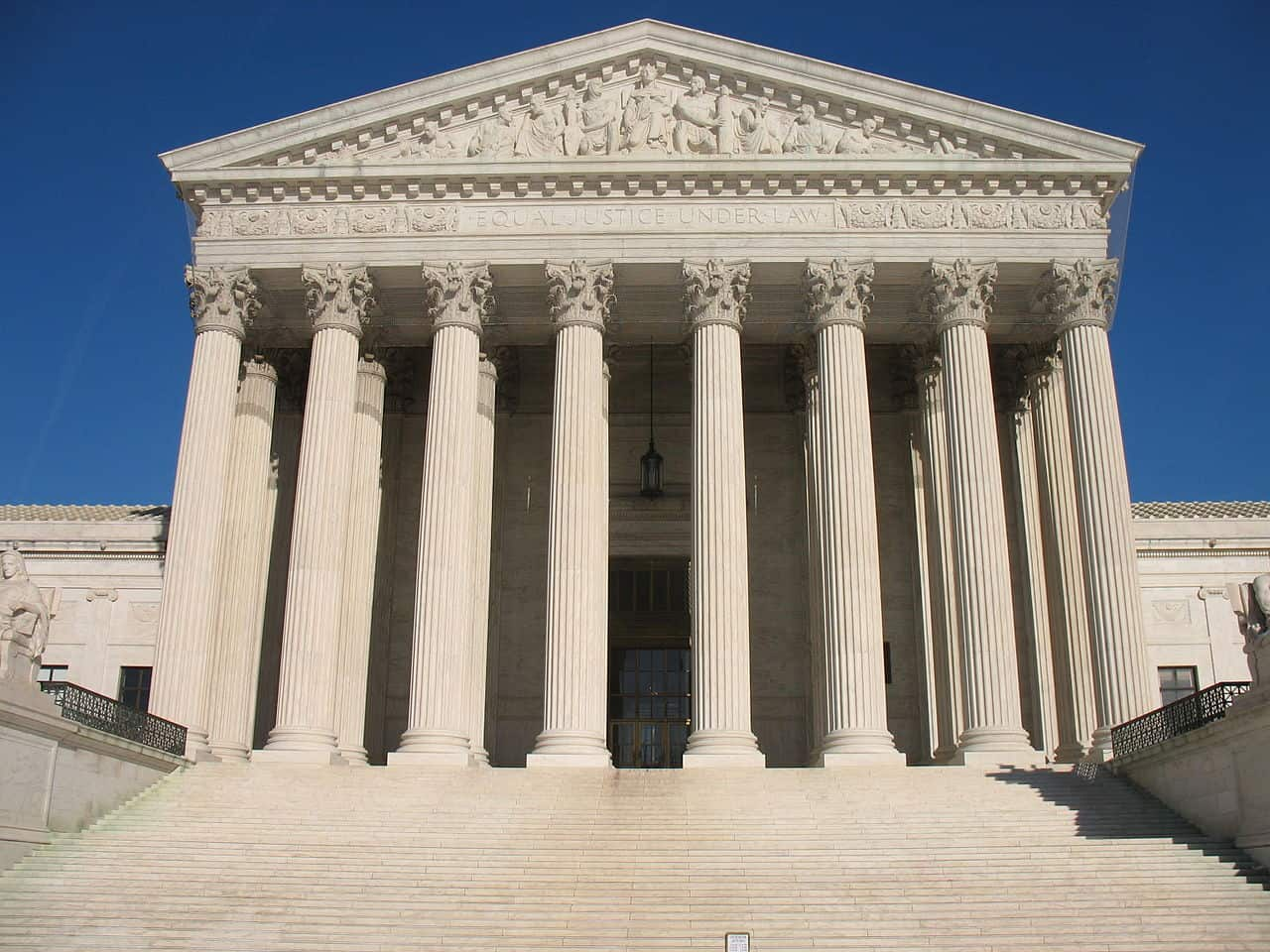 Photo of Supreme Court to decide lease-to-own trucking arbitration case