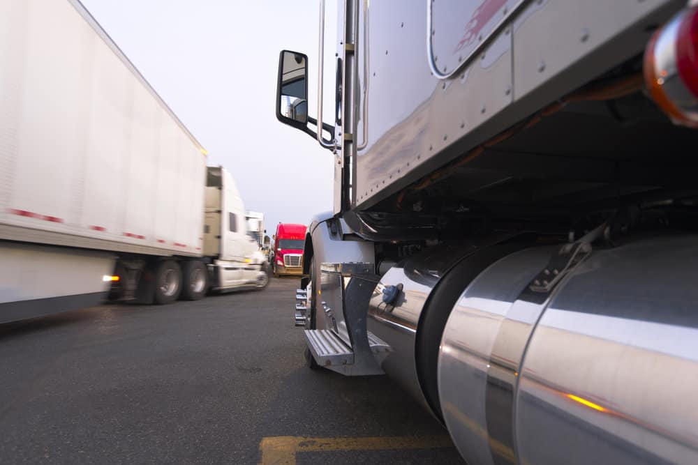 FMCSA has ruled that California can't dictate meal and rest break requirements that conflict with federal hours-of-service regulations. ( Photo: Shutterstock )