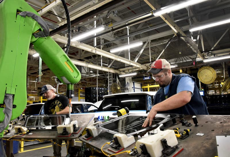 Photo of Jobs, auto freight in crosshairs as Trump ramps up tariff talk