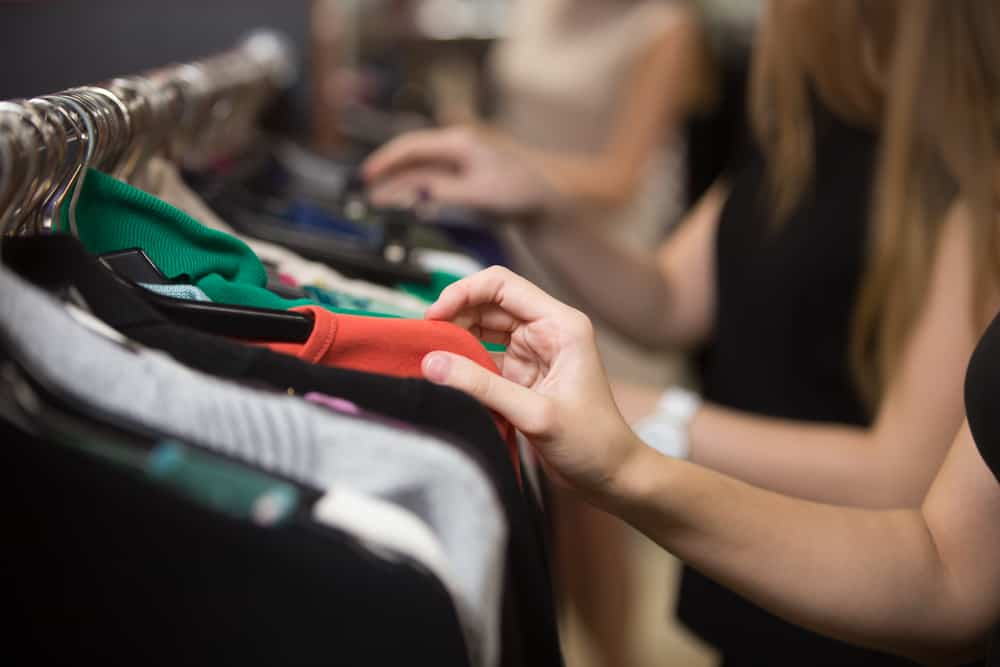 Photo of Retail sales post stronger-than-expected gains
