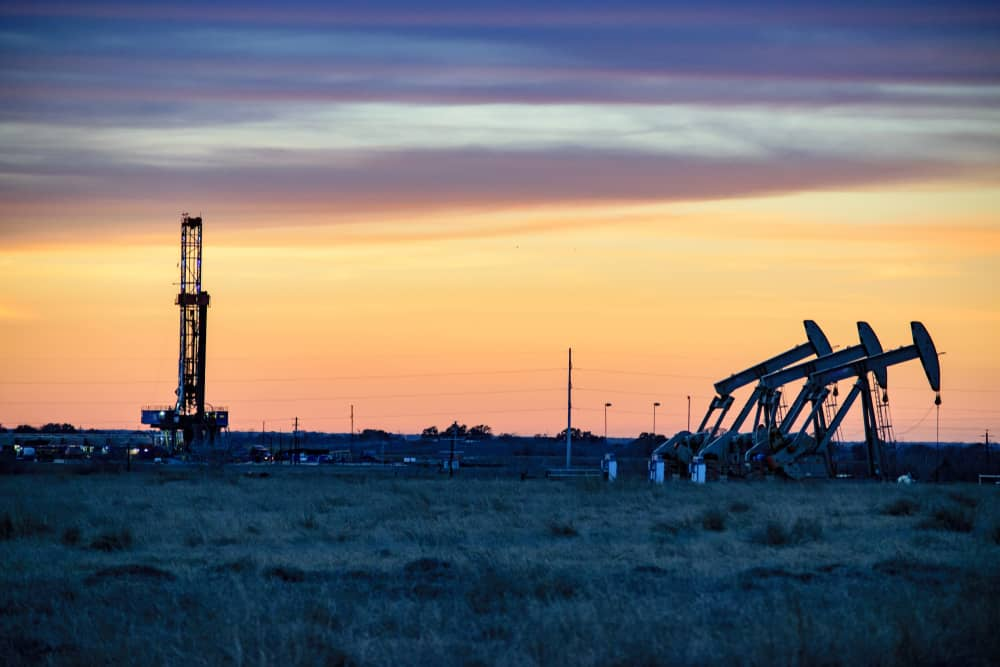 Photo of Today's Pickup: oil boom & tax cuts driving U.S. industrial expansion