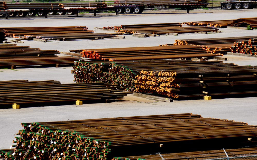 Steel pipe languishes in a Canadian stockyard. ( Photo: Shutterstock )