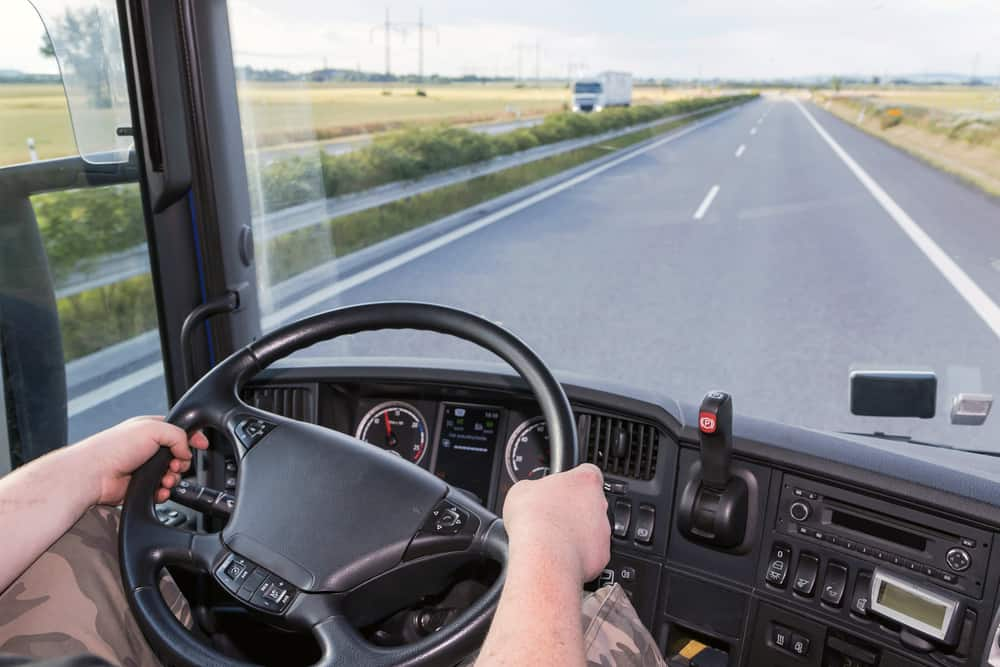 Photo of Senate bill to allow interstate drivers under 21 introduced; companion to House legislation