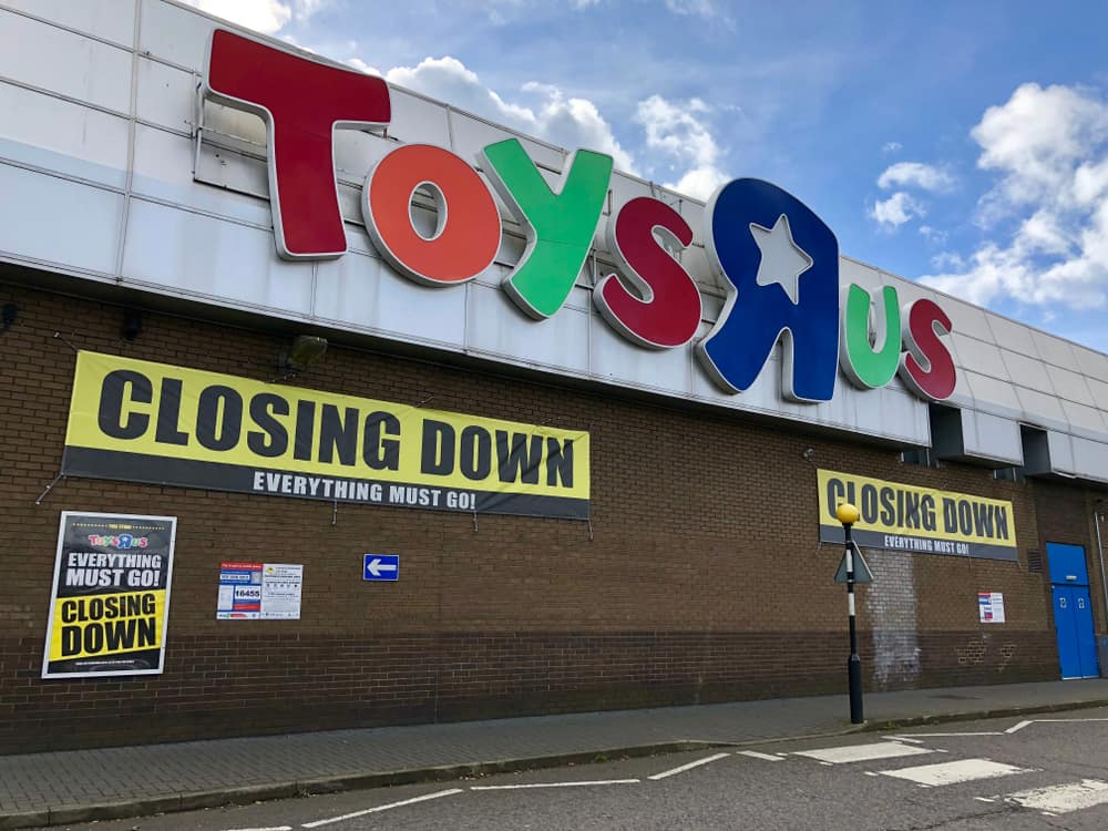 Photo of Toys 'R' Us bankruptcy leaves retailers anxious to pick up the slack