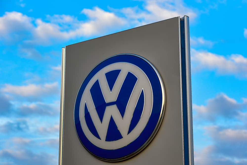 Photo of Volkswagen AG could recall 124,000 electric and hybrid cars due to poisonous cadmium presence