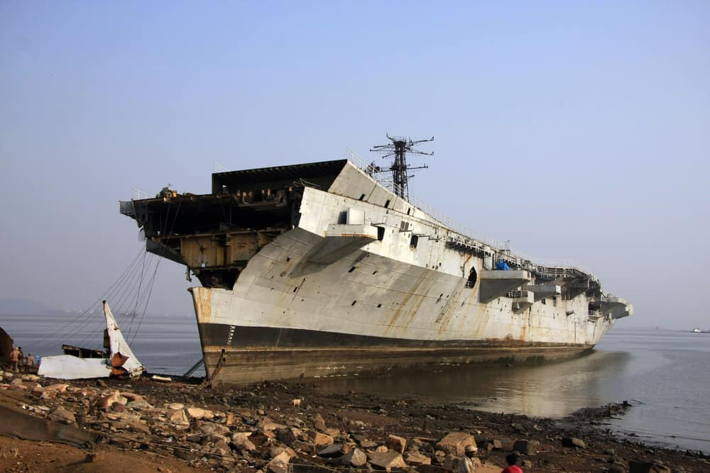 Photo of The shipbreaking industry where workers die on the shores of Bangladesh