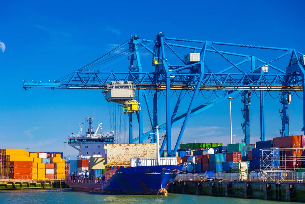Photo of Port of Rotterdam looks at blockchain project for container logistics