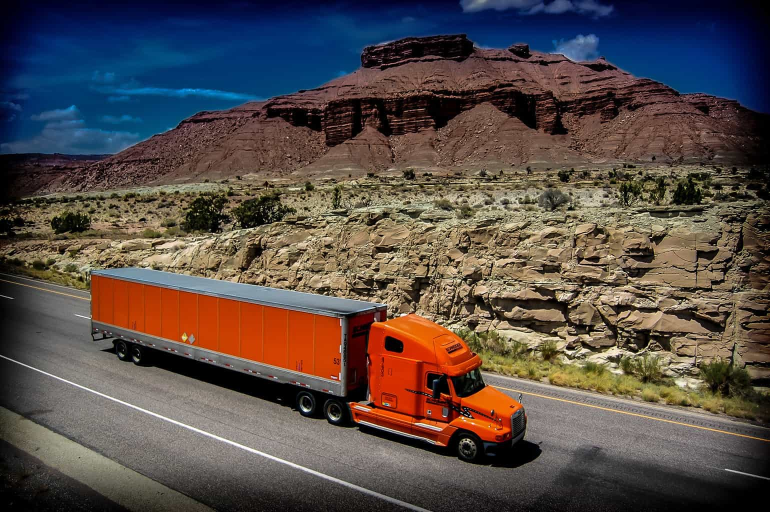 Photo of Stifel bullish, Morgan Stanley bearish on trucking