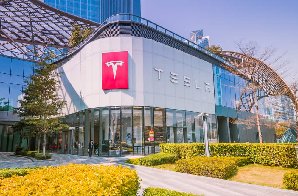 Photo of Today's Pickup: Tesla cuts price of its cars in China to beat trade tariffs