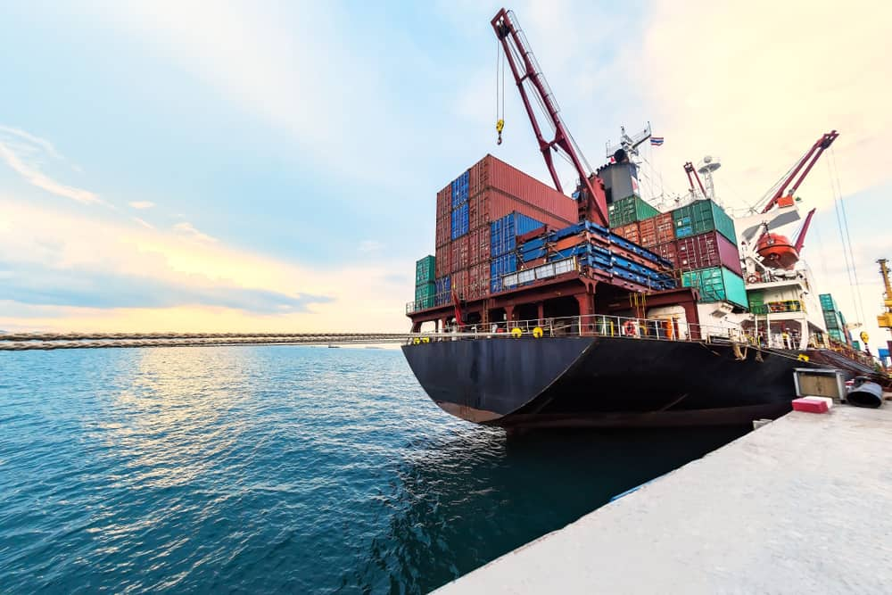 Photo of Today's Pickup: imports continue surge as consumers spend and tariffs loom