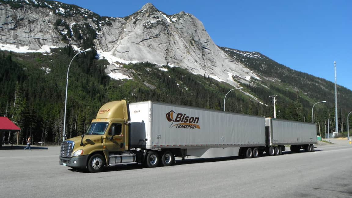 Photo of Running with doubles: How North America's safest fleet navigates with two 53-foot trailers