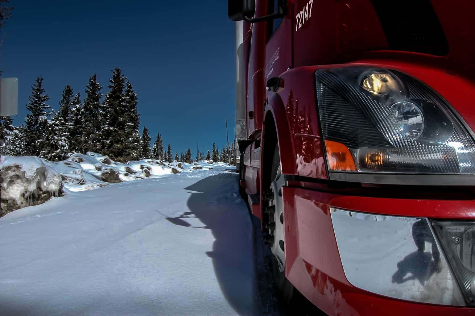 Photo of More snow and wind to make trouble for weekend truckers