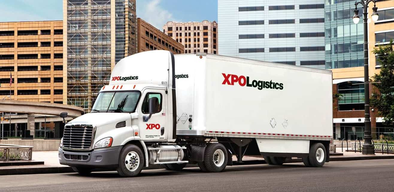 """Photo of XPO to repurchase up to $1B in stock; analyst lifts rating to """"buy"""""""