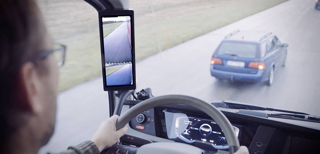 Photo of FMCSA says trucks can use cameras instead of rear-view mirrors