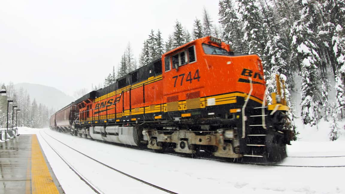 Photo of BNSF seeing 'multiple trains' stopped through Upper Plains as Jayden bears down