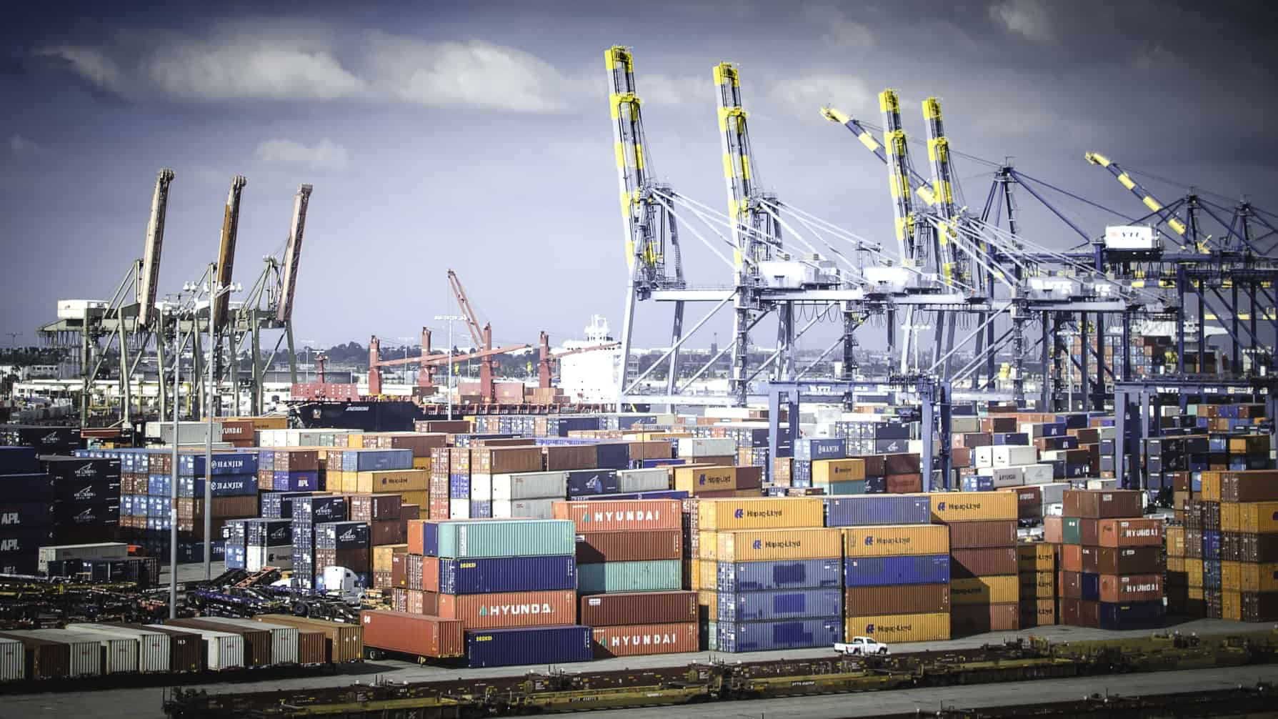 Photo of Congestion at Los Angeles and New York marine terminals push drayage costs higher