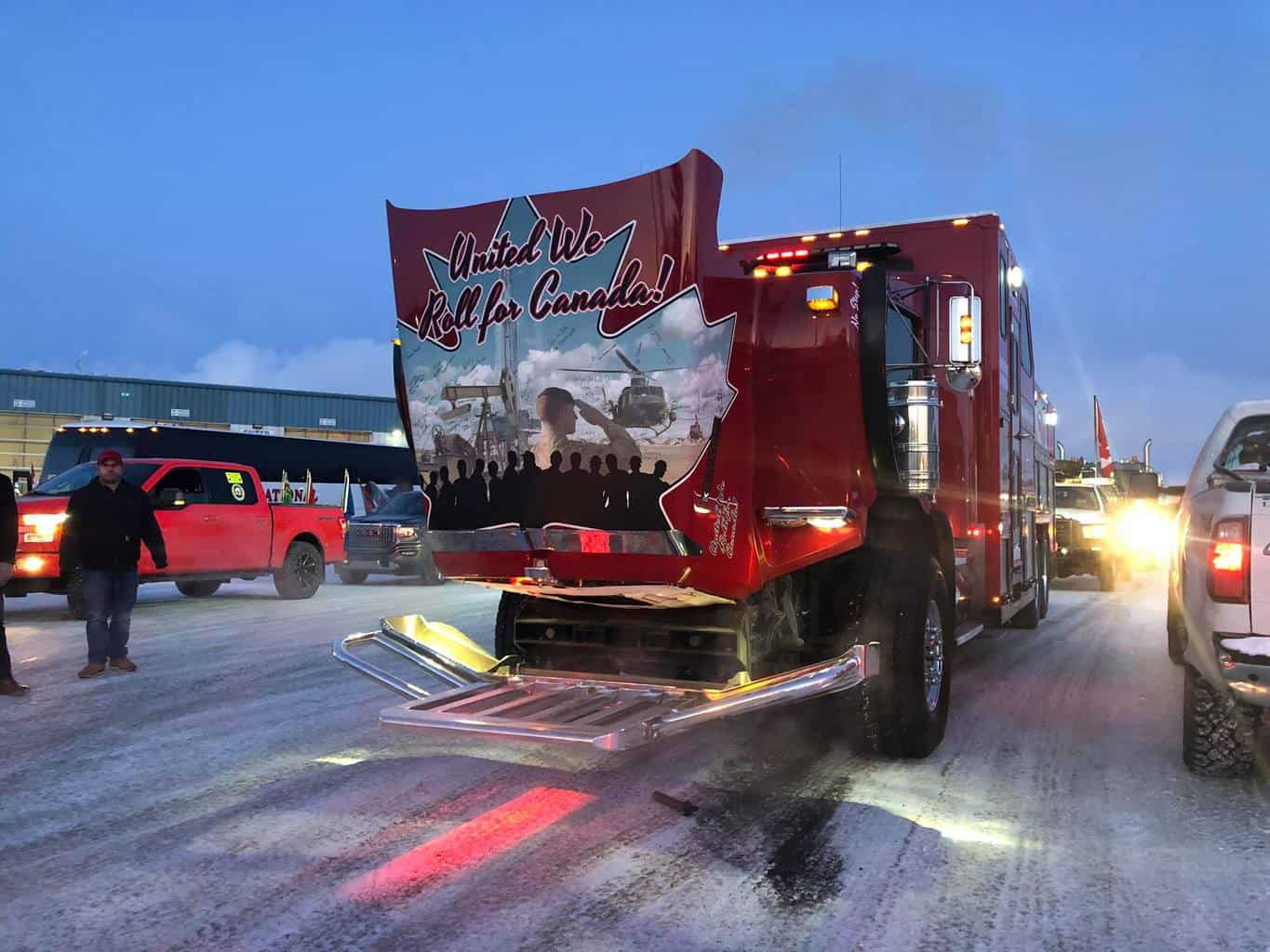Photo of More than 150 trucks caravan to Ottawa to protest carbon taxes, support pipelines