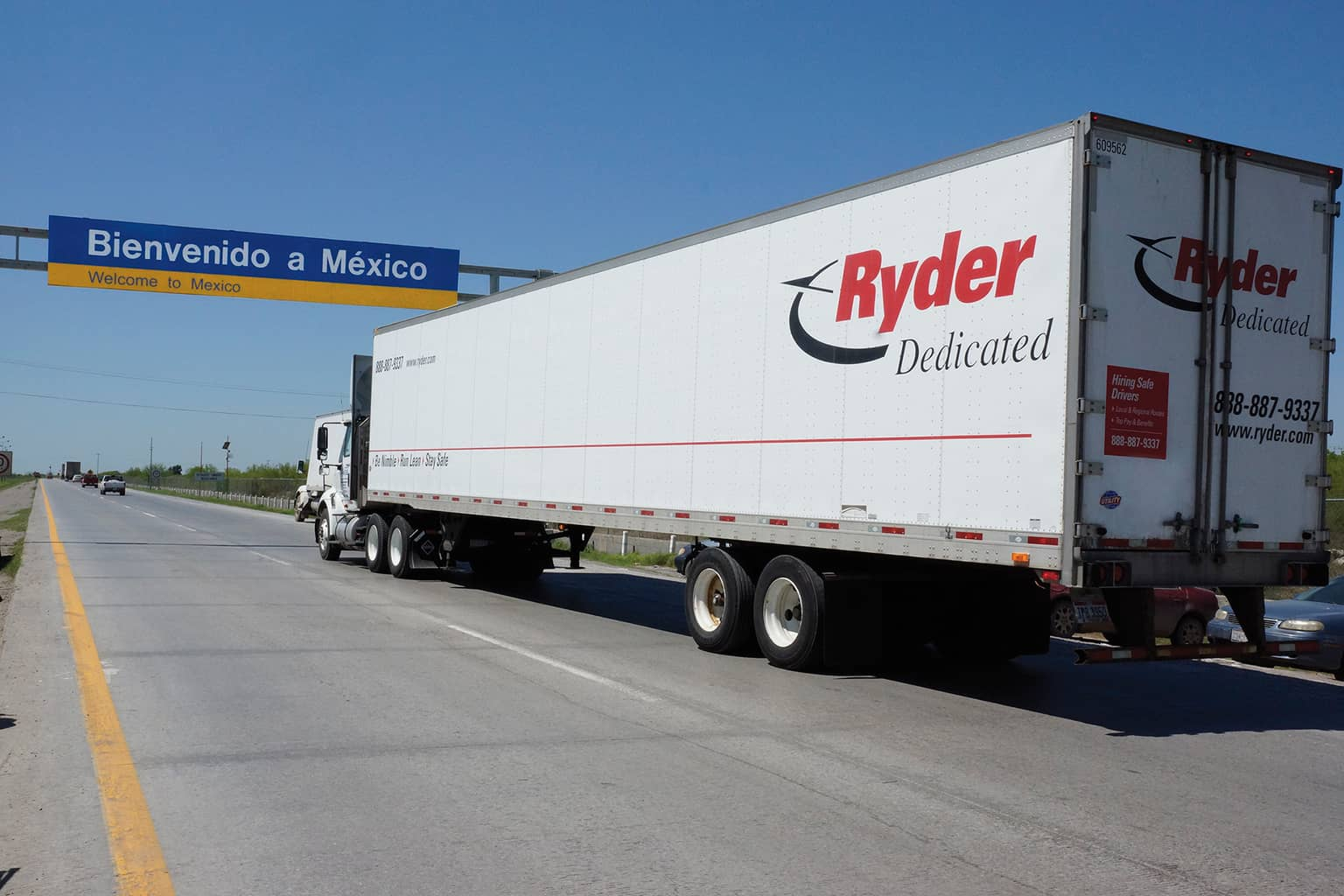 Photo of Ryder honors Mexican carrier partners