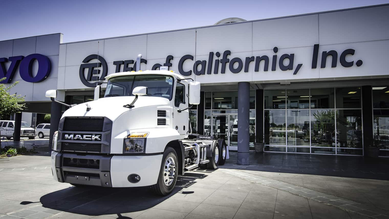 Photo of January truck orders fall; cancellations start rising