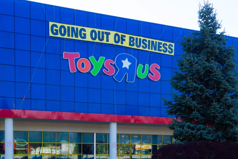 Photo of Today's Pickup: Toys R Us shutdown marks the beginning of the end of traditional retail