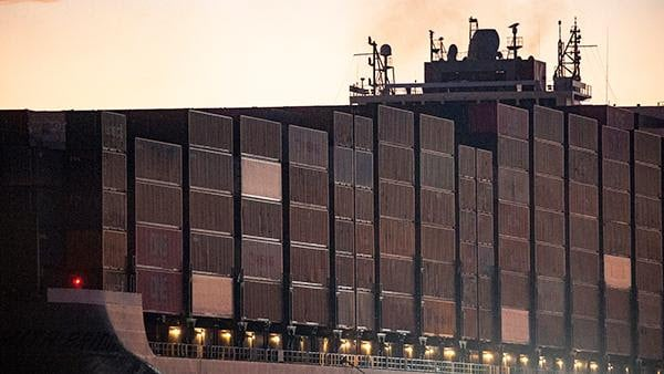 Photo of Port Report: Pre-Lunar New Year freight push keeps Los Angeles and Long Beach busy