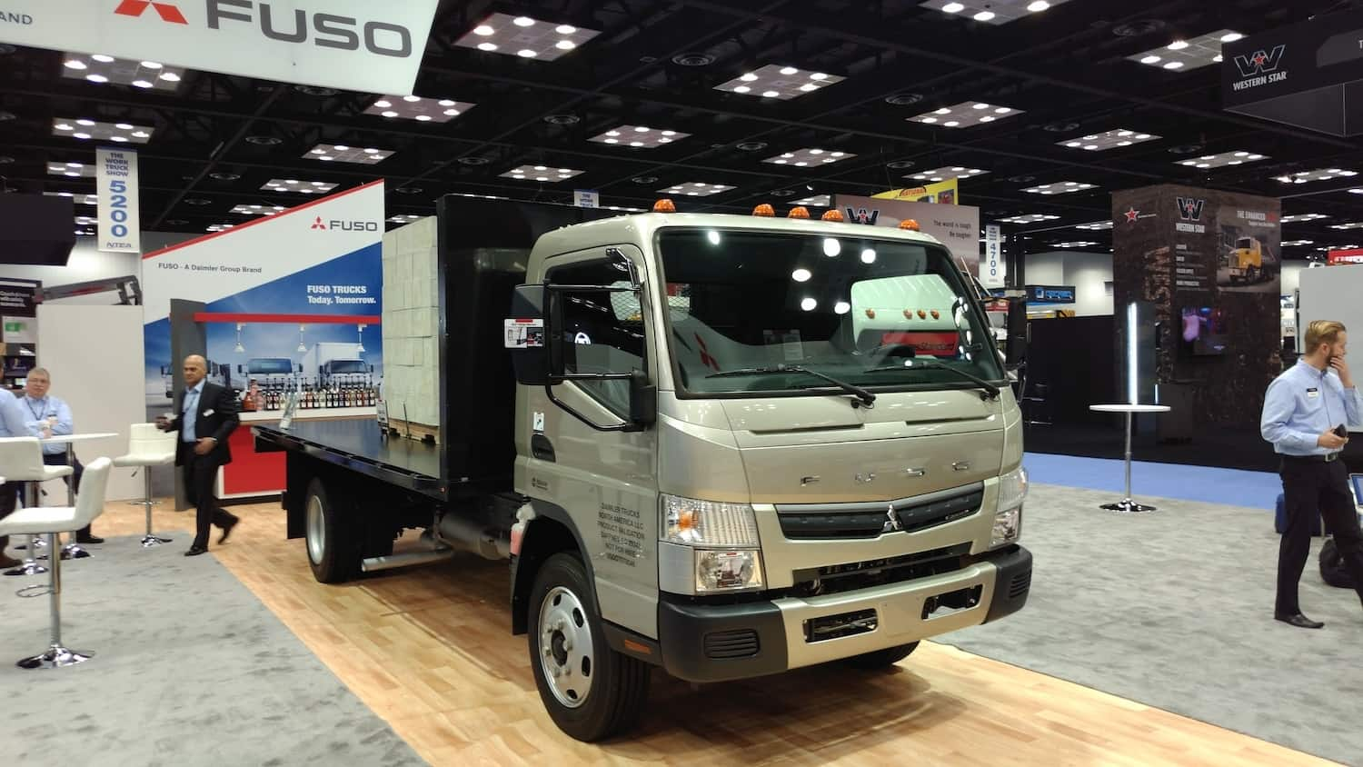 Mitsubishi Fuso brings gas power to the Class 5 cabover market