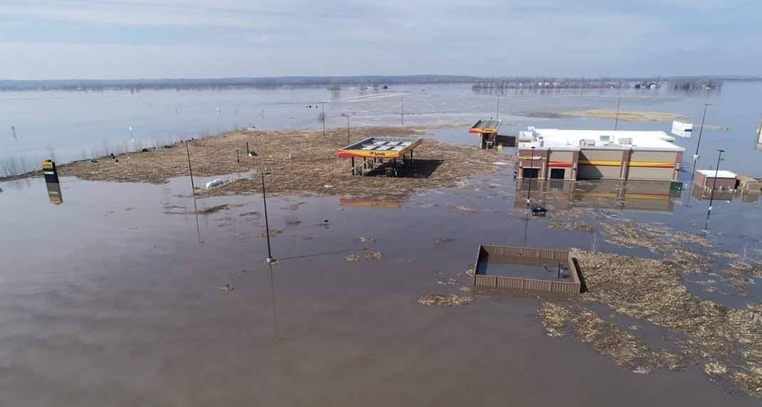 Photo of Flood threat in Midwest continues through the week