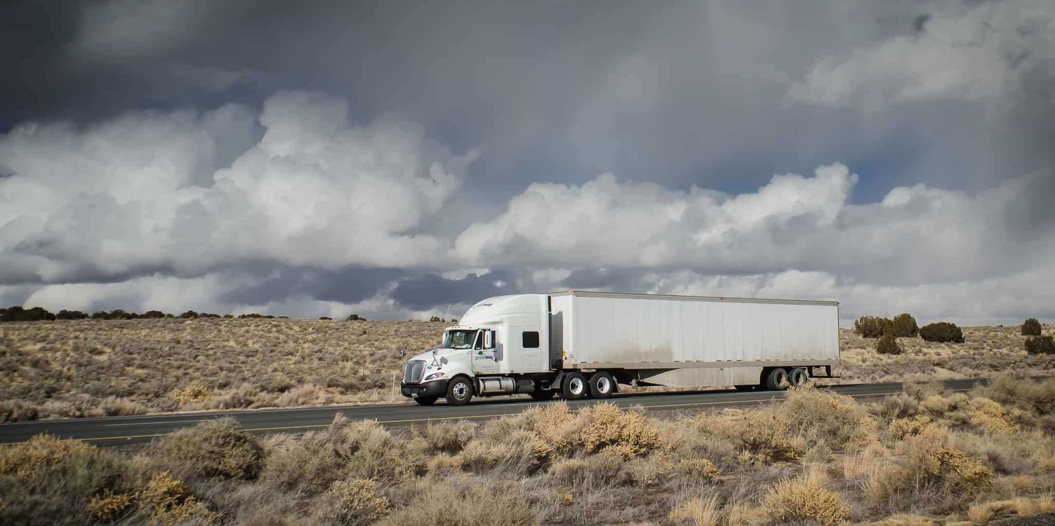 Photo of Brokers, carriers, and Wall Street agree: freight volumes stagnant