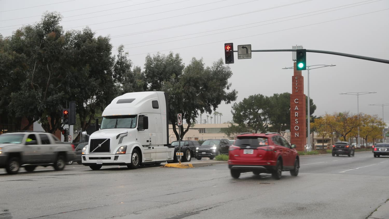 Photo of Today's Pickup: Volvo begins California test of connected vehicle technology