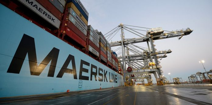 Photo of Port Report: Ocean freight keeps up digital move as industry gets props for its tech savvy