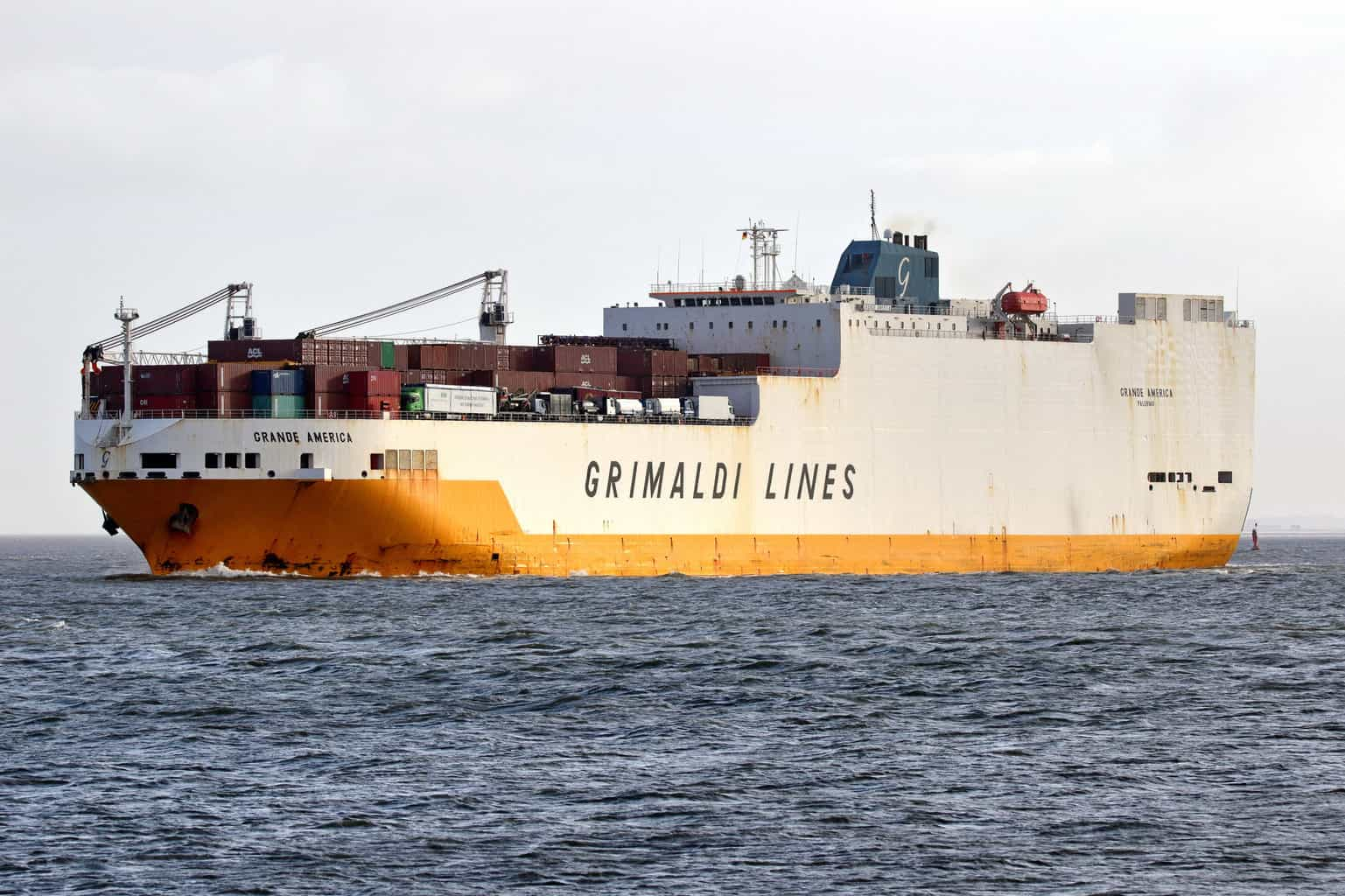 Photo of Grimaldi ship sinks in Bay of Biscay