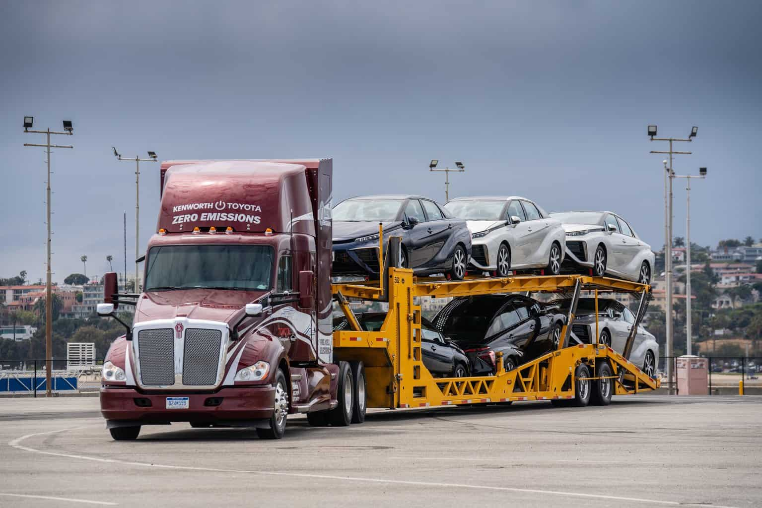 Photo of Act EXPO kicks off with unveiling of Toyota and Kenworth fuel cell electric trucks
