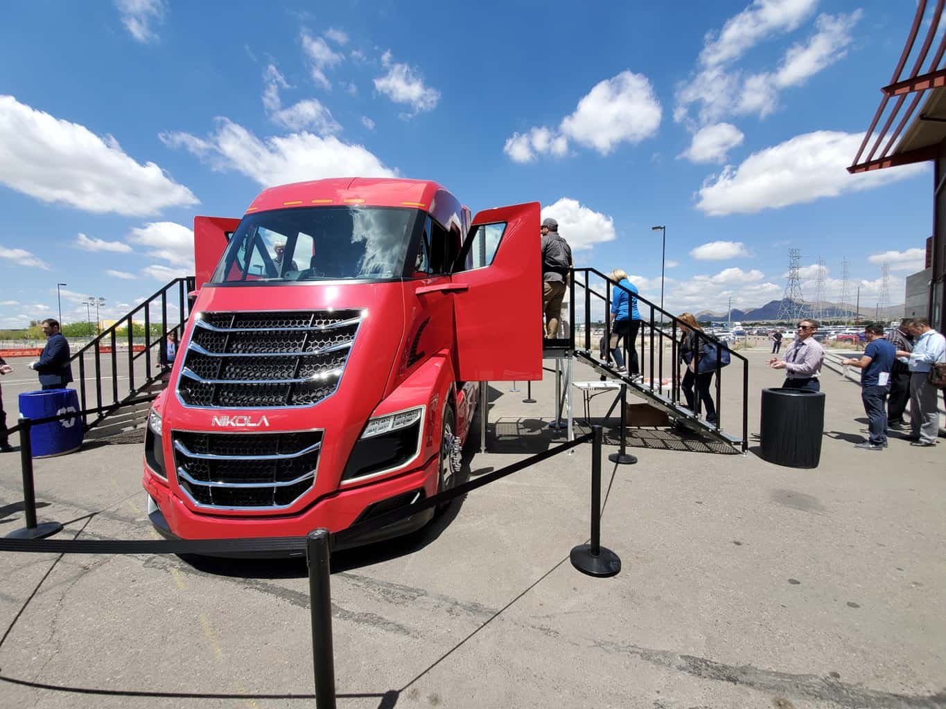 Photo of Early adopters see great potential in Nikola hydrogen-electric truck