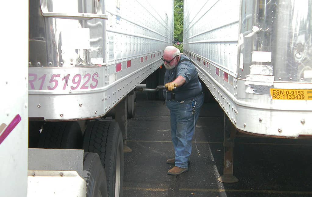 Photo of Convoy expands drop-and-hook program Convoy Go nationally, opening up more opportunities for owner-operators