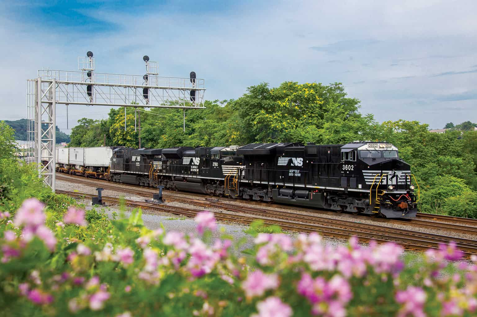 Photo of Norfolk Southern official seeks to calm shippers' anxiety