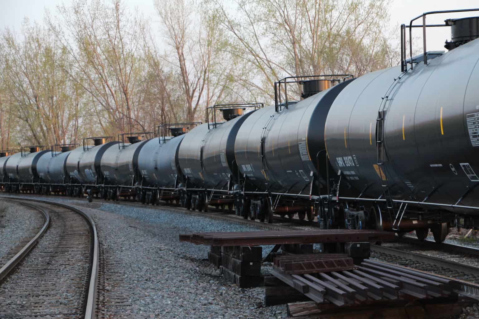 Photo of LNG by rail could help protect U.S. maritime law