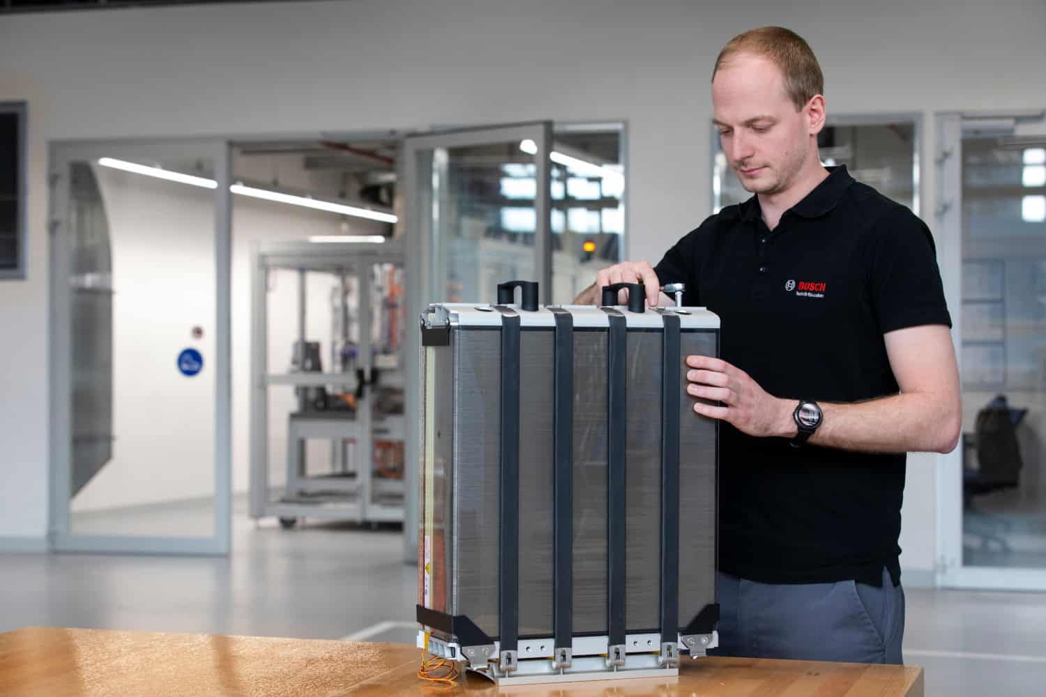 Photo of Today's Pickup: Bosch teams with Powercell to develop hydrogen fuel cell stack for trucks