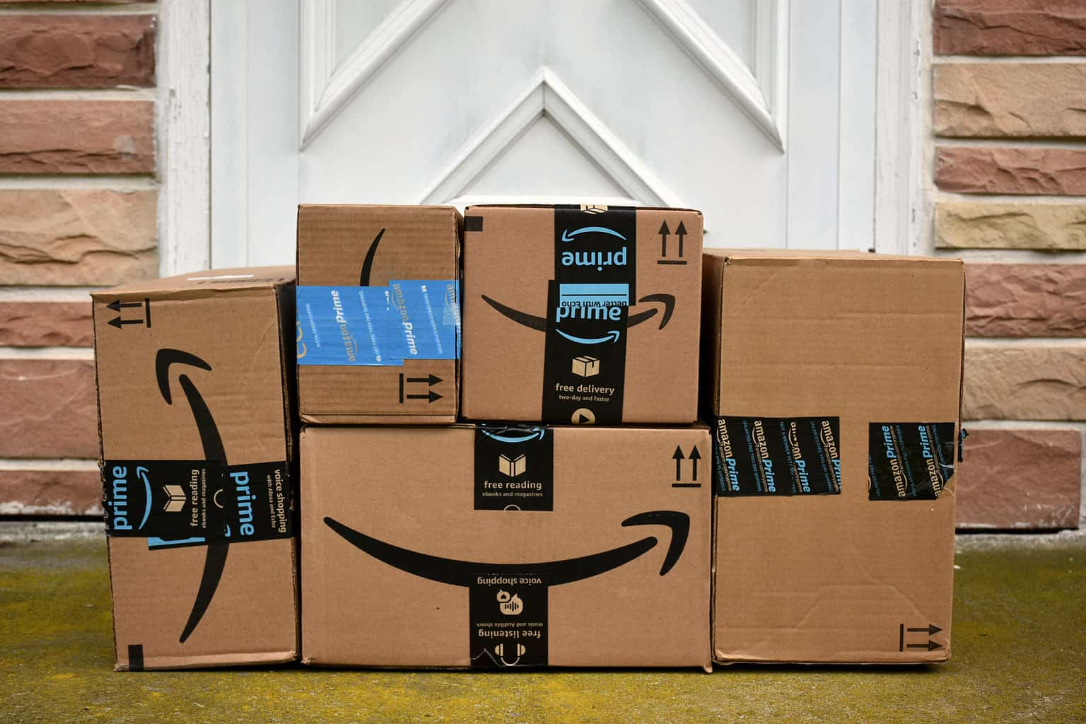 Photo of Today's Pickup: Amazon to standardize one-day shipping