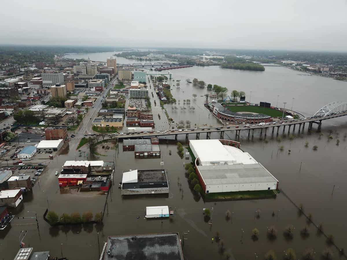 Photo of Flooding woes continue in Midwest after another levee breach