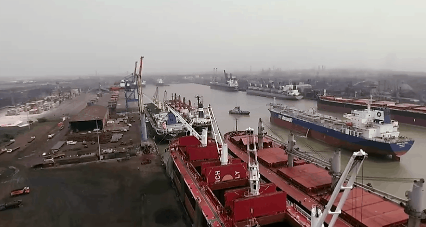 Photo of Major Indian port in potential path of severe cyclone