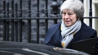 """Photo of Theresa May outlines her """"bold new offer"""" to Parliament"""