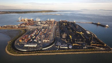 Photo of Longshore workers back away from full strike at Vancouver terminals